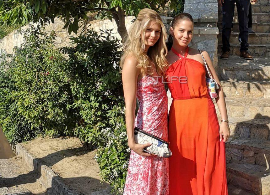 Γάμος Μπαλατσινού – Κικίλια: Έκλεψαν την παράσταση με την εμφάνισή τους η Αμαλία και η Αλεξάνδρα Κωστοπούλου [pics]   tlife.gr