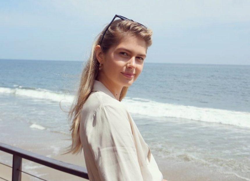 Αμαλία Κωστοπούλου: Βρίσκεται στην Ελλάδα για τον γάμο της Τζένης Μπαλατσινού! Η βραδινή έξοδος με φίλη της [pic] | tlife.gr