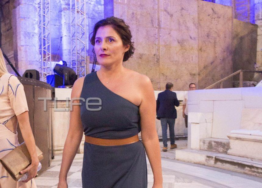 Μπέττυ Μπαζιάνα: Κομψή εμφάνιση στο Ηρώδειο! [pics]   tlife.gr