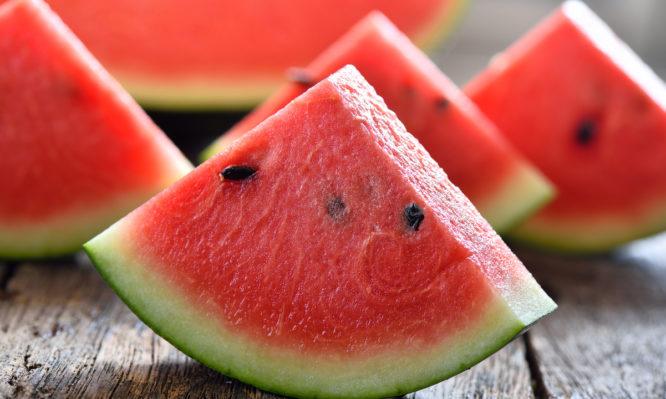 Καρπούζι: Όλα όσα χρειάζεται δεν γνωρίζεις για το αγαπημένο φρούτο του καλοκαιριού! | tlife.gr