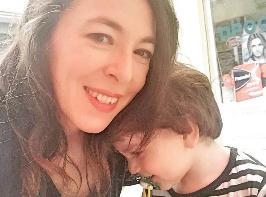 Αλίκη Κατσαβού: Ξεκίνησε τα καλοκαιρινά παιχνίδια με τον 2,5 ετών γιο της!   tlife.gr