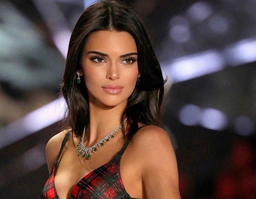 Kendall Jenner: Ποζάρει στην μπανιέρα της όπως την γέννησε η μαμά της! | tlife.gr