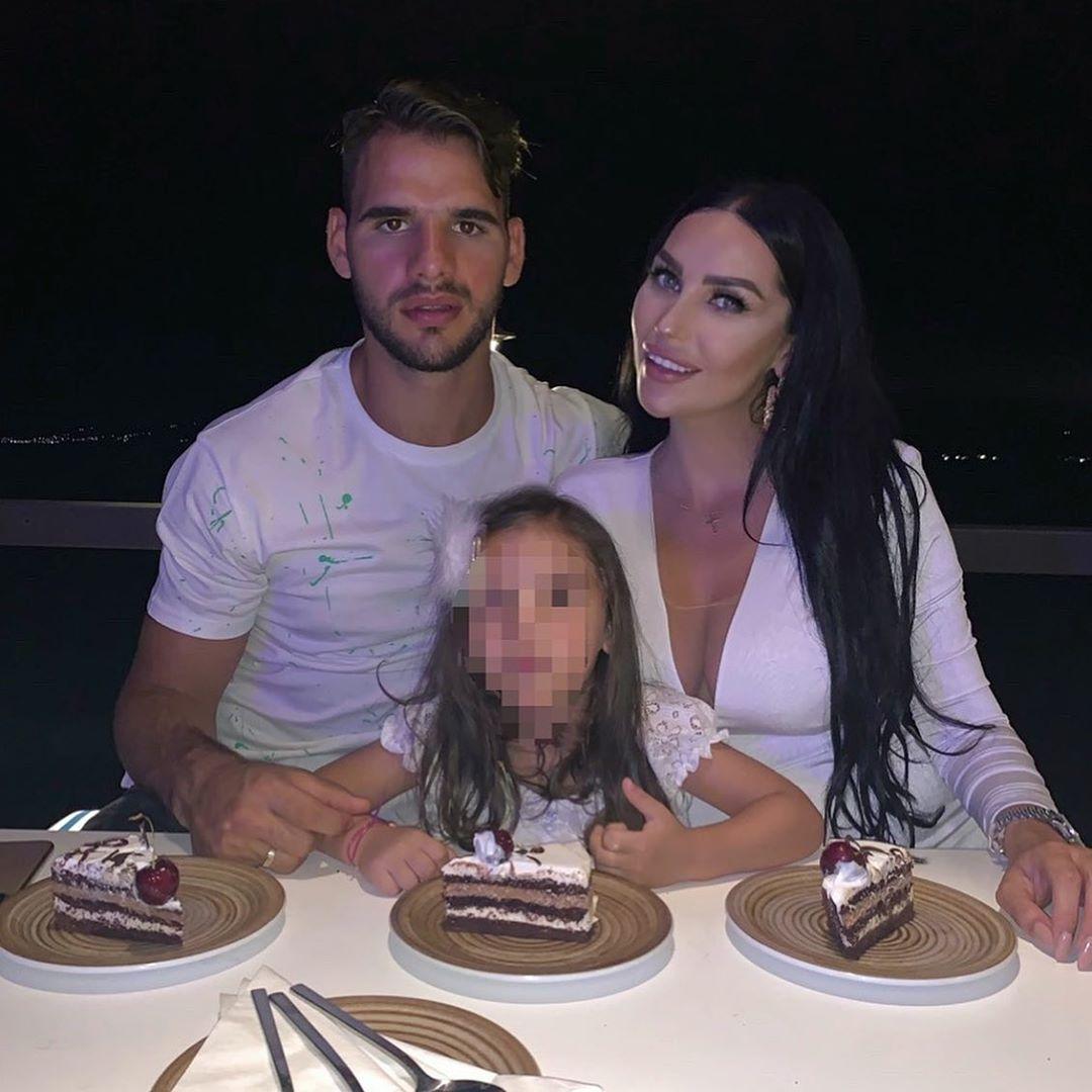 Ζέτα Θεοδωροπούλου - Παναγιώτης Ταχτσίδης: Γιόρτασαν τρία χρόνια γάμου με ένα εντυπωσιακό δείπνο! [pics,video]