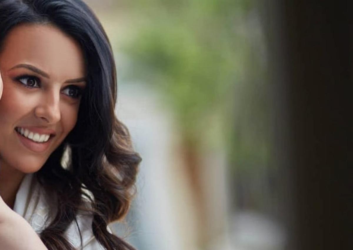 Όλγα Λαφαζάνη:Συγκινήθηκε στην αποφοίτηση της κόρης της από το σχολείο!