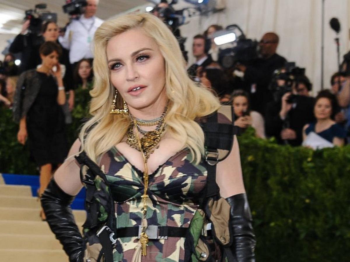 Πασίγνωστος σκηνοθέτης θέλει να σκηνοθετήσει μία βιογραφική ταινία για τη Madonna! [pic]