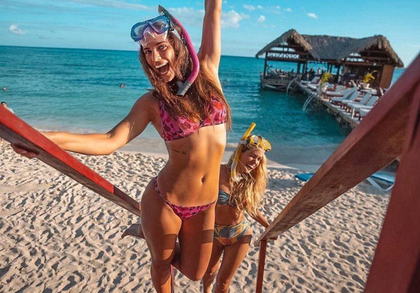 Χριστίνα Μπόμπα: Ξεναγεί την κολλητή της στις παραλίες του Αγίου Δομίνικου! [pics]