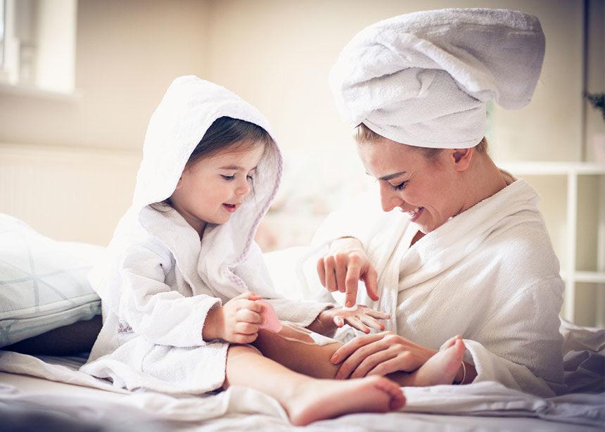 Παιδί και ανατομία: Γιατί είναι σημαντικό να μιλάς ξεκάθαρα στο παιδί σου για τα γεννητικά του όργανα | tlife.gr