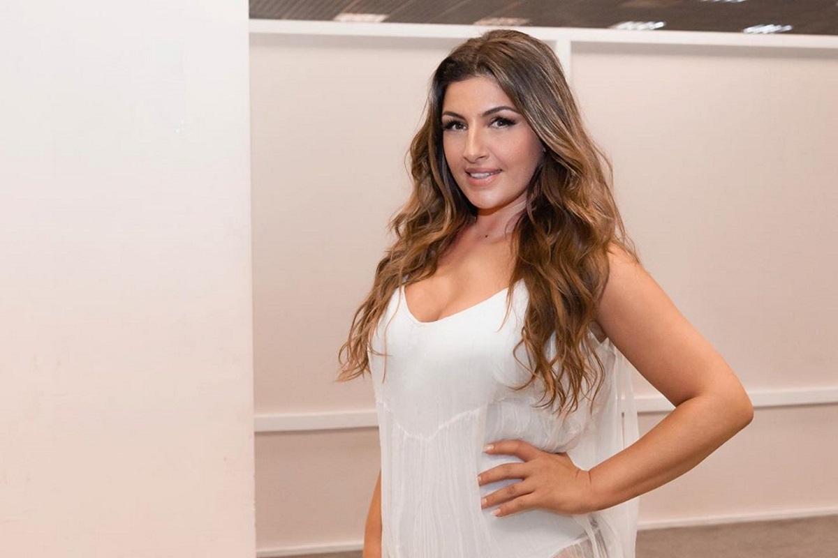 Έλενα Παπαρίζου: Έκοψε και έβαψε τα μαλλιά της – Δες το νέο look της!