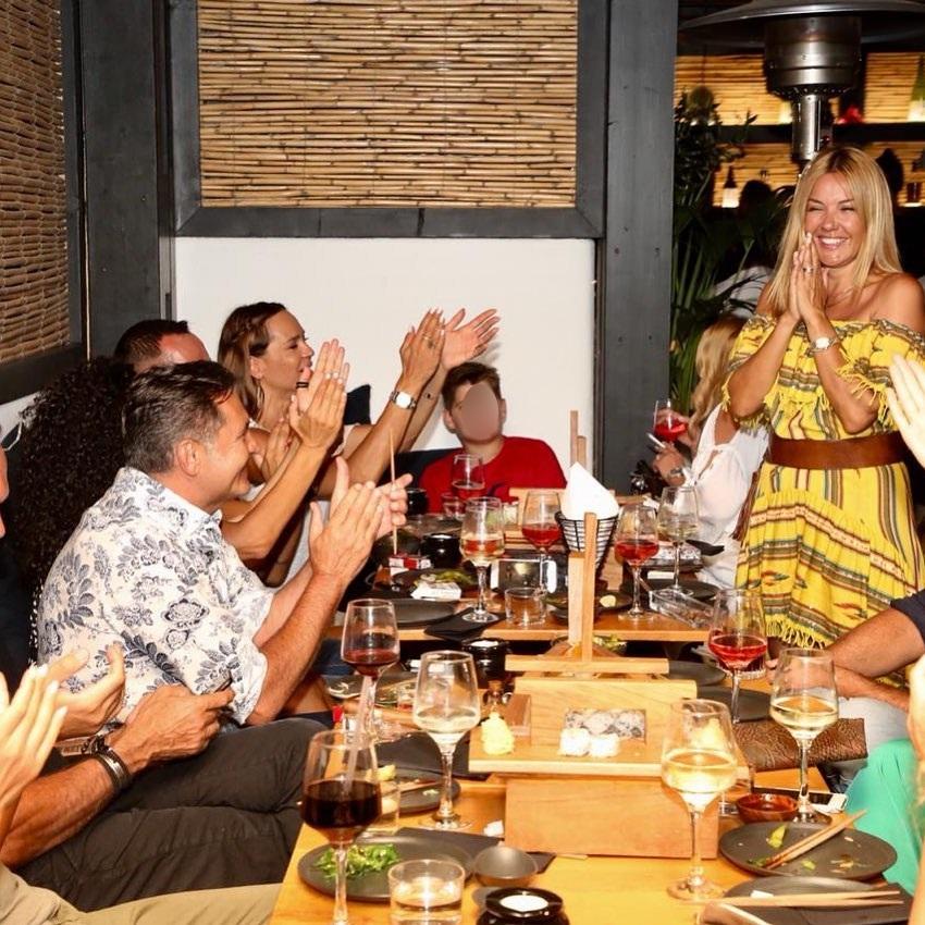 Χριστίνα Παππά: Τα γενέθλια της στη Μύκονο με τον γιο και τους φίλους της! [pics,vid]