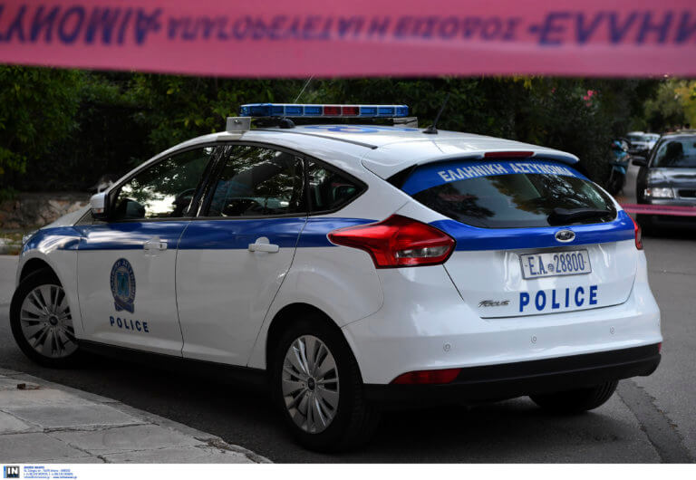 Οικογενειακή τραγωδία στην Α. Παρασκευή – 35χρονη σκότωσε τον πατέρα της και προσπάθησε να αυτοκτονήσει | tlife.gr