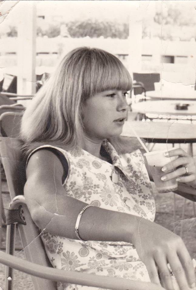 Ρένα Παγκράτη: Αυτοκτόνησε σαν σήμερα το 1998 - Η ζωή και η καριέρα της