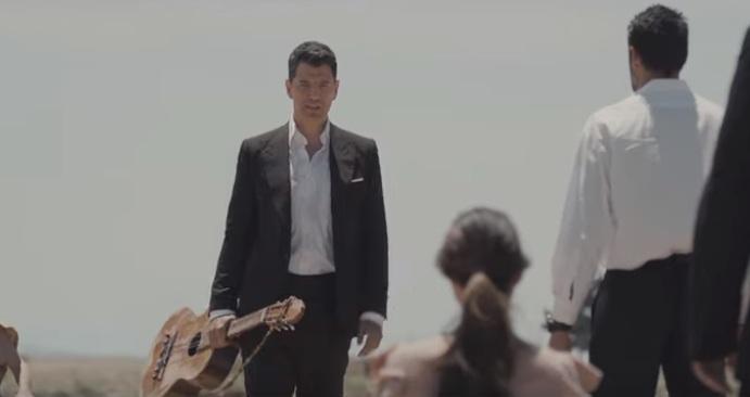 Σάκης Ρουβάς: Μόλις κυκλοφόρησε το νέο του clip και είναι σαν… ταινία δράσης! Μαζί του η Ηλιάνα Παπαγεωργίου | tlife.gr