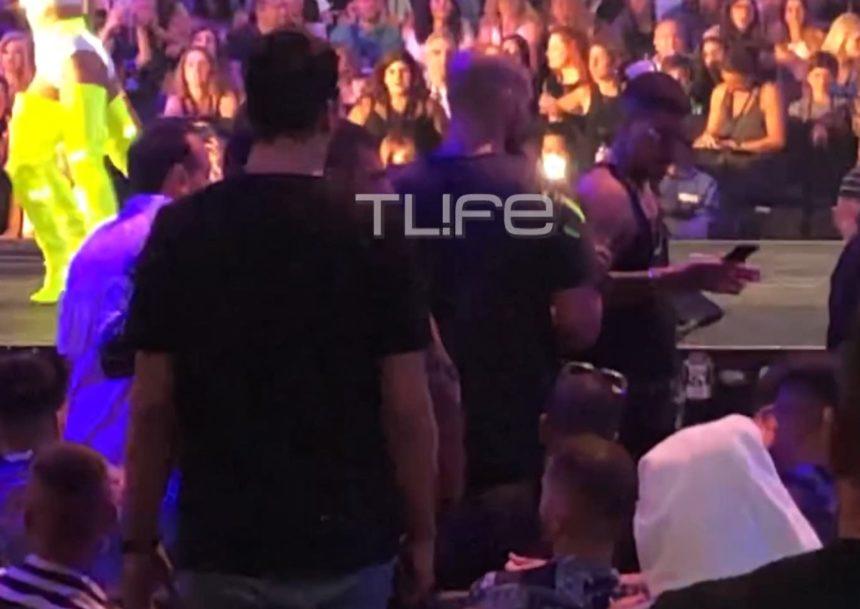 MAD VMA 2019: Πρωτοφανές σκηνικό στις κερκίδες των VIP – Ποιοι πιάστηκαν στα χέρια; Αποκλειστικό βίντεο | tlife.gr