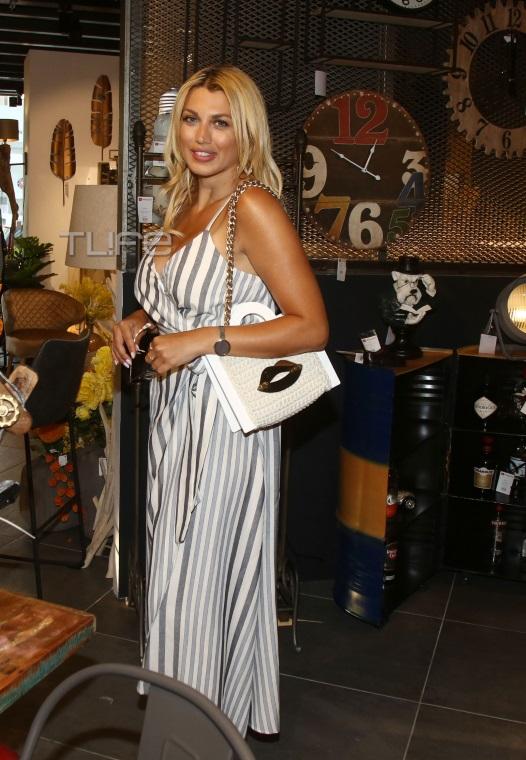 Κωνσταντίνα Σπυροπούλου: Χωρίς… ρετούς, με chic φόρεμα σε κοσμικό event! [pics]