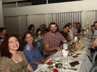 Κατερίνα Στικούδη: Με τον σύζυγό της στο γλέντι του ΚΚΕ! Φωτό και βίντεο