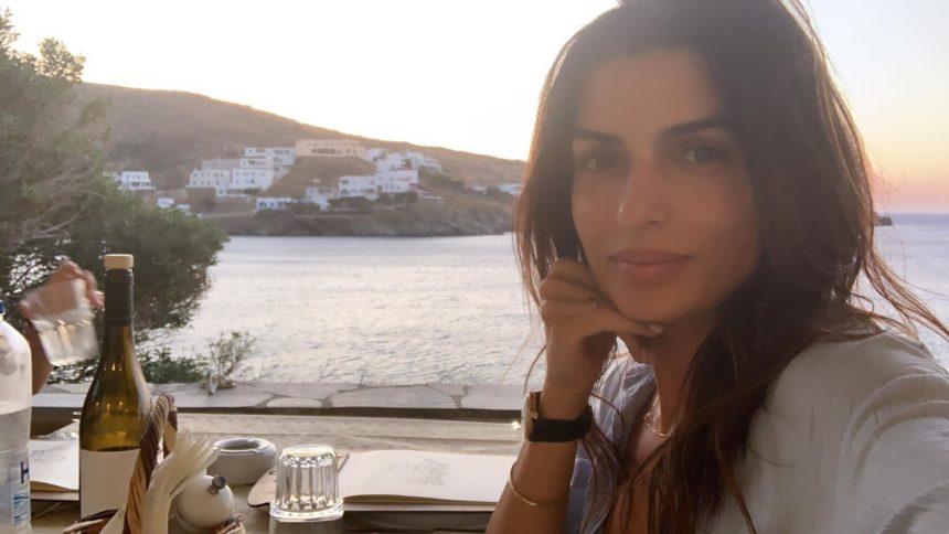 Τόνια Σωτηροπούλου: Καλοκαιρινή εξόρμηση στην Τήνο με τον Κωστή Μαραβέγια! [pics,video]