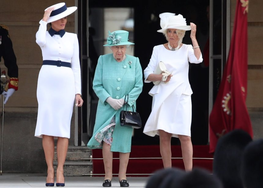 Στα λευκά η Melania Trump στο Λονδίνο! Οι κομψές εμφανίσεις της που έκλεψαν τις εντυπώσεις | tlife.gr
