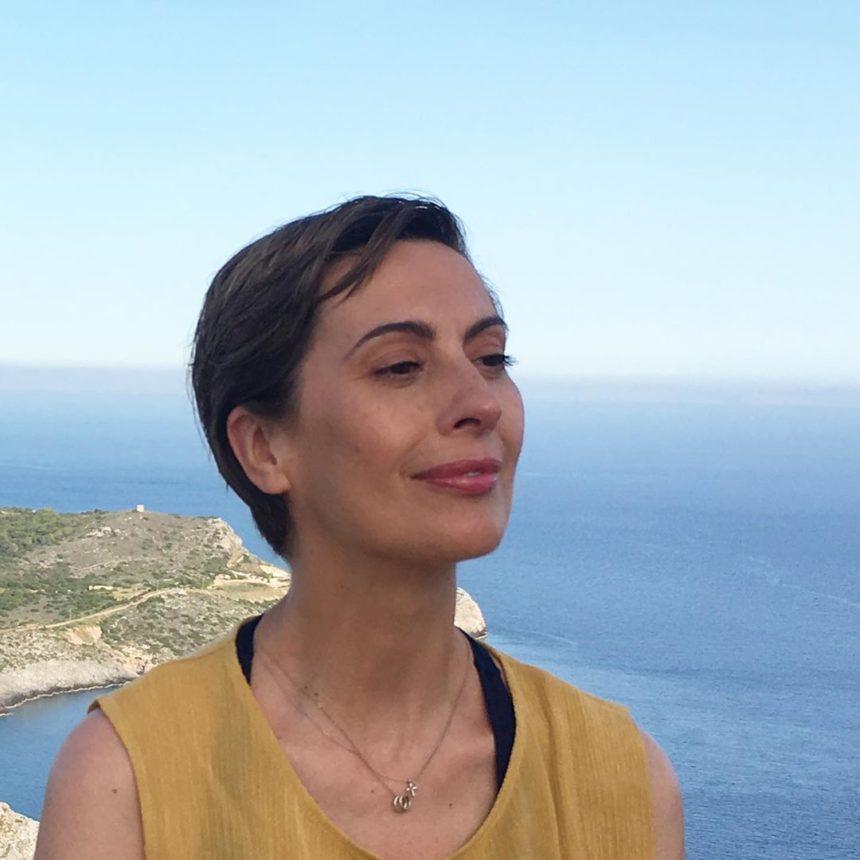 Βίκυ Βολιώτη: Η συνάντηση με τους συμπρωταγωνιστές της στο «Λόγω Τιμής»   tlife.gr