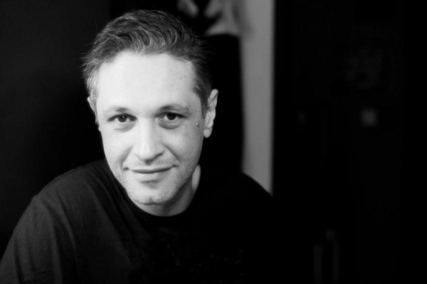 Αιμίλιος Χειλάκης: Αυτό είναι πρόβλημα υγείας που έκανε την φωνή του… γοητευτική! Video | tlife.gr