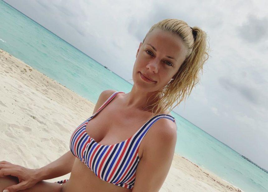 Ζέτα Μακρυπούλια: Στην παραλία μετά την ανανέωση της συνεργασίας με τον Ant1! | tlife.gr