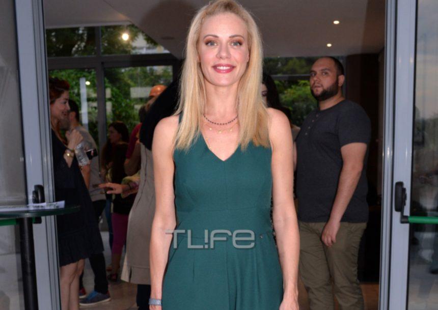 Ζέτα Μακρυπούλια: Με casual chic look στην πρεμιέρα της παράστασης «Το δικό μας σινεμά»! [pics] | tlife.gr