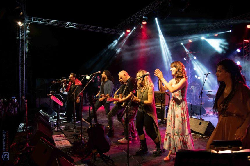 Μαχαιρίτσας – Πορτοκάλογλου: 8.000 θεατές στη συναυλία του στο Γουδί | tlife.gr