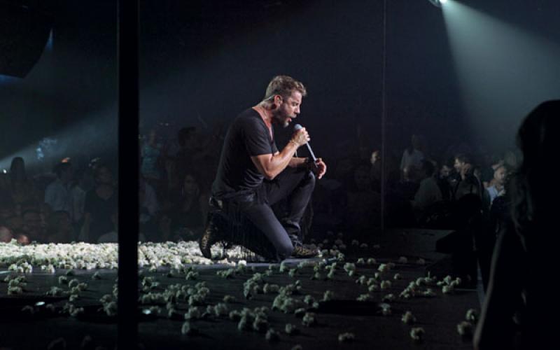 Γιώργος Μαζωνάκης: Αποθεώθηκε στην έναρξη της καλοκαιρινής του περιοδείας! [video] | tlife.gr