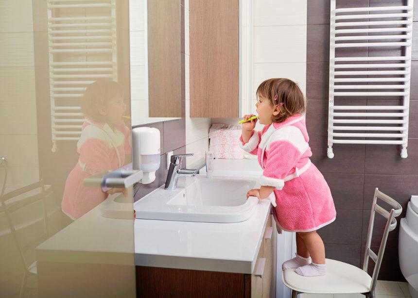 Με αυτούς τους έξυπνους τρόπους θα κάνεις το παιδί σου να ενδιαφερθεί για την στοματική του υγιεινή | tlife.gr