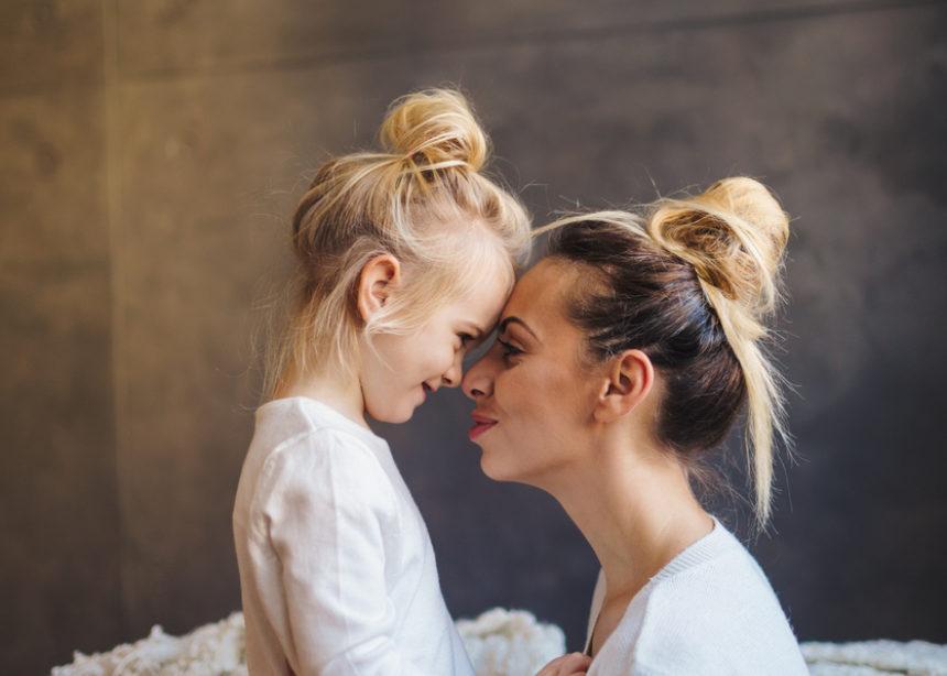 Για ακόμα ένα Σάββατο, ο Δρ. Σπύρος Μαζάνης, λύνει όλες τις απορίες που έχετε ως γονείς | tlife.gr