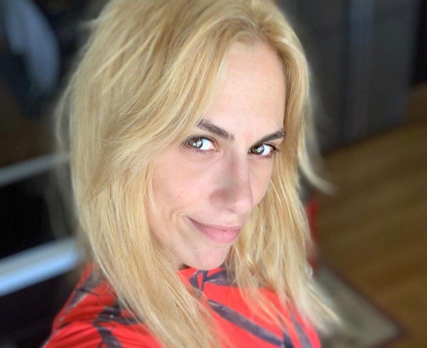 Ντορέττα Παπαδημητρίου: Κάνει pilates και τρελαίνει τους followers της με την ευλυγισία της | tlife.gr