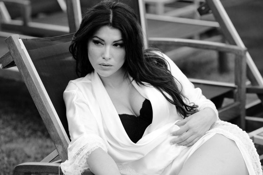 Κλέλια Ρένεση: Ανυπομονεί για τις πρώτες διακοπές με την νεογέννητη κόρη της!   tlife.gr