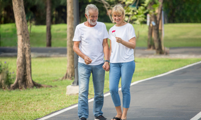 Νόσος Αλτσχάιμερ: Πόσα βήματα την ημέρα προστατεύουν το μυαλό | tlife.gr