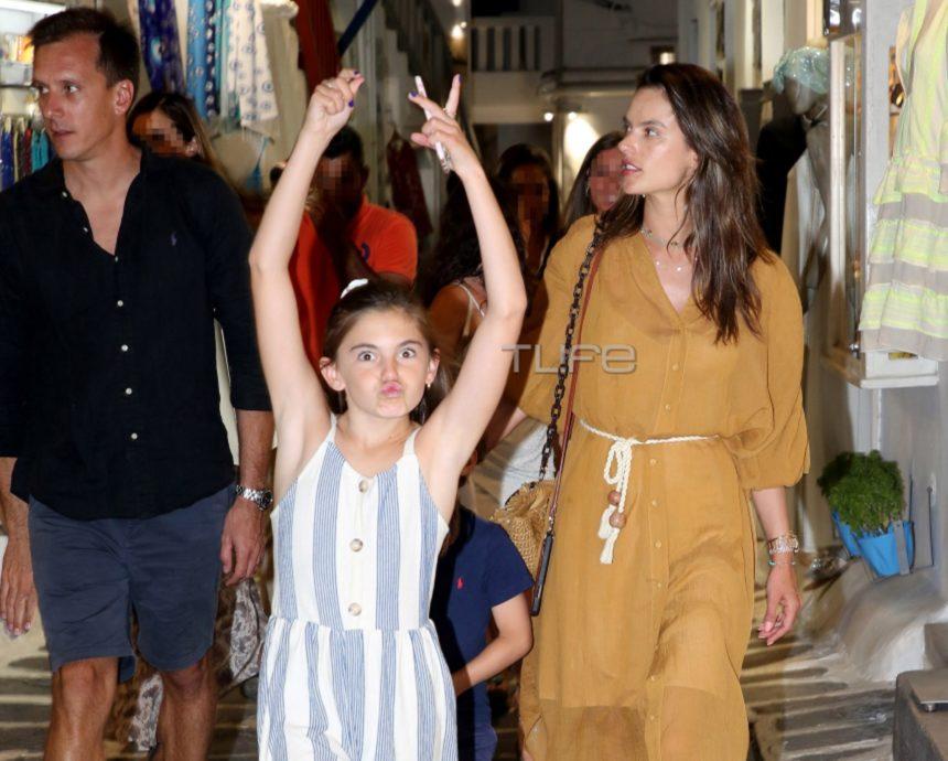 Alessandra Ambrosio: Διακοπές στην Μύκονο μαζί με τα παιδιά της και τον νέο της σύντροφο | tlife.gr