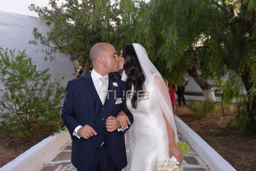 Κωνσταντίνος Μπογδάνος – Έλενα Καρβελά: Το άλμπουμ του γάμου τους στη Νάξο! | tlife.gr