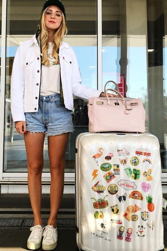 Όλα τα καλλυντικά που χρειάζεσαι για τις καλοκαιρινές σου διακοπές θα τα βρεις σε αυτό το κουτί! | tlife.gr