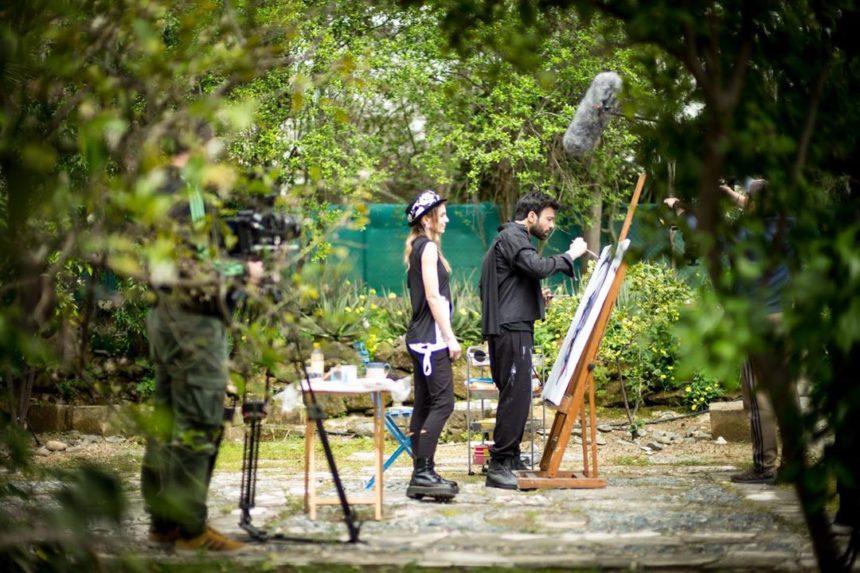 Ανδρέας Γεωργίου: Μας δείχνει φωτογραφίες και βίντεο από τα γυρίσματα της νέας του σειράς! | tlife.gr