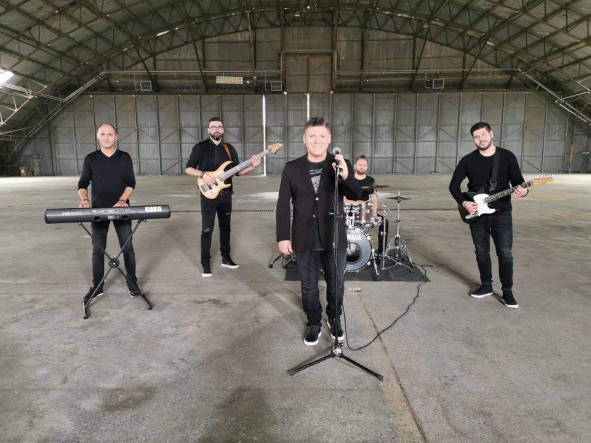 «Μου λείπεις»: Το νέο τραγούδι του Δημήτρη Γιώτη ξεπέρασε το 1 εκατ. προβολές στο Youtube σε ένα μήνα! | tlife.gr