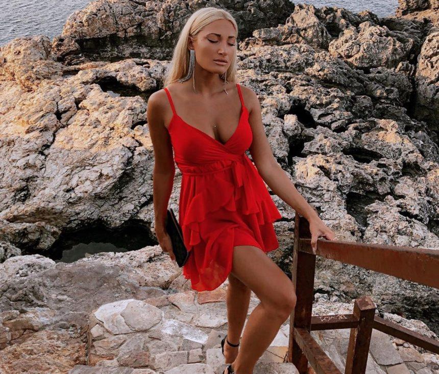 Ιωάννα Τούνη: Πήγε σε γάμο στην Κύπρο και τραγούδησε… καραόκε! Απολαυστικό βίντεο | tlife.gr