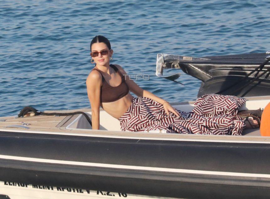 Kendall Jenner: Σκαφάτες διακοπές στην Μύκονο μαζί με φίλους [pics]