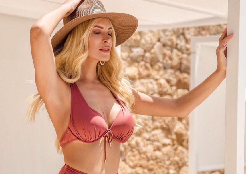 Κατερίνα Καινούργιου: Ξεκίνησε τις καλοκαιρινές διακοπές της από την Κεφαλλονιά! [pics] | tlife.gr