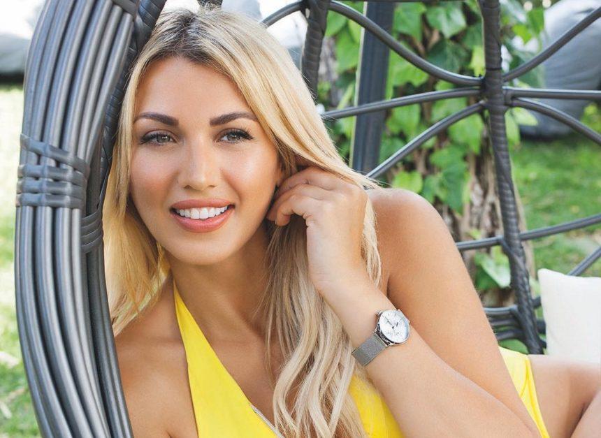 Κωνσταντίνα Σπυροπούλου: Από την Σύμη στην Πάτμο! Οι ανέμελες στιγμές της στα Δωδεκάνησα [pic,video] | tlife.gr