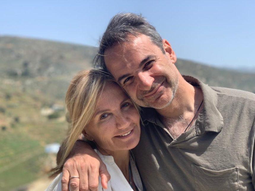 Ο Κυριάκος Μητσοτάκης φωτογραφίζει τα παιδιά του στο σπίτι και στέλνει το πιο ηχηρό μήνυμα! | tlife.gr