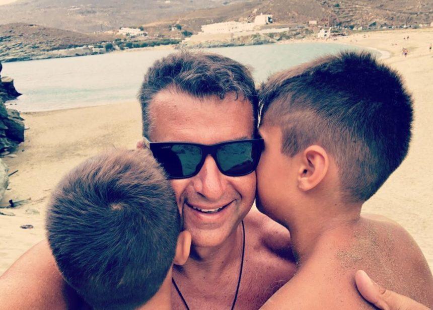 Γιώργος Λιάγκας: Διακοπές στην Τήνο με τους γιους του! [pics] | tlife.gr