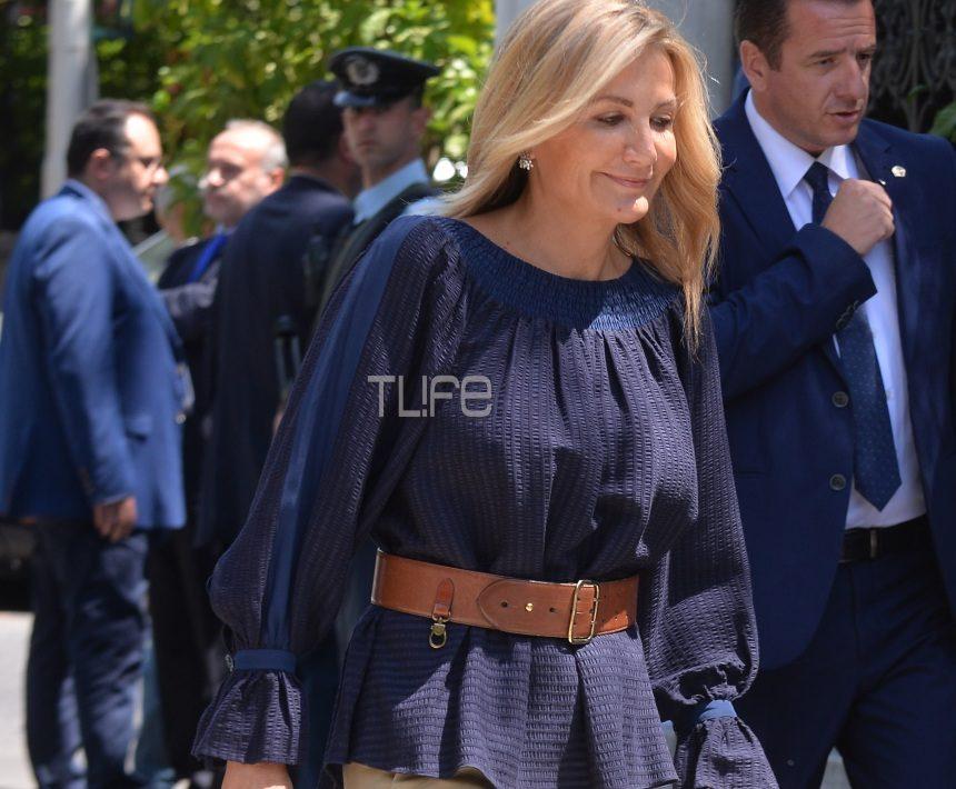 Μαρέβα Μητσοτάκη: Τι στιλ επέλεξε για να συνοδεύσει τον Πρωθυπουργό στην ορκωμοσία; [pics,vid] | tlife.gr