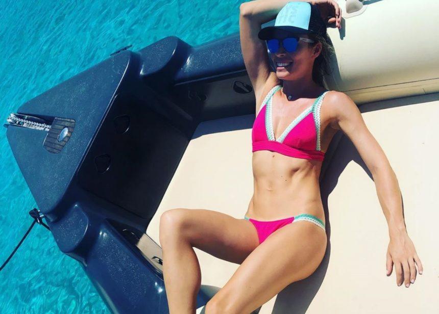 Μαριέττα Χρουσαλά: Διακοπές με το σκάφος στην Αντίπαρο! [pics] | tlife.gr