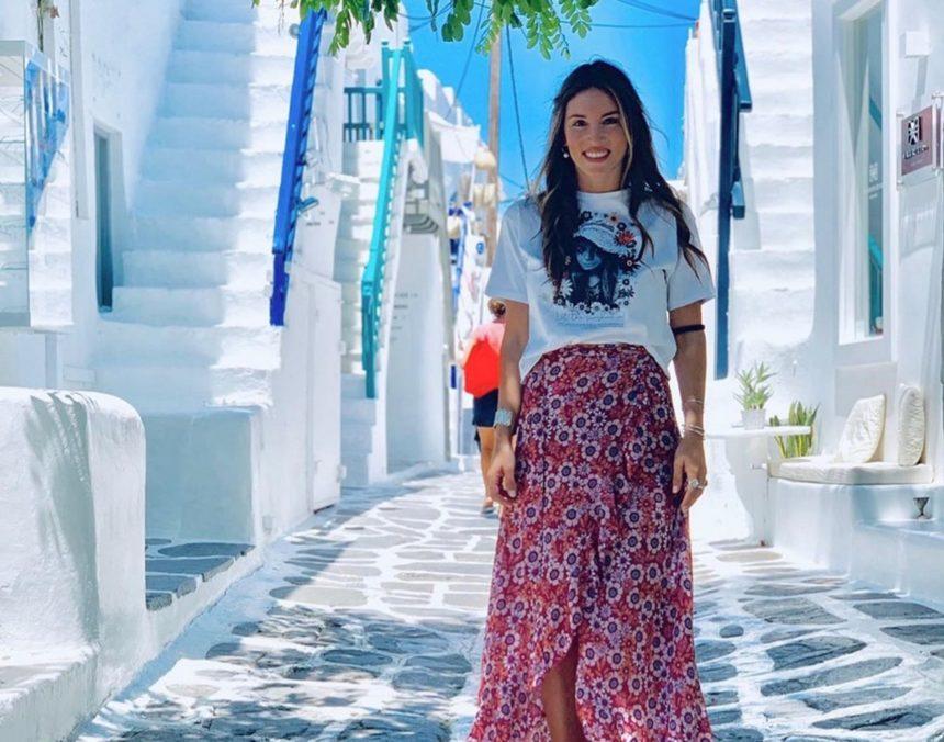 Αθηνά Οικονομάκου: Επιστροφή στη Μύκονο μαζί με την κολλητή της!