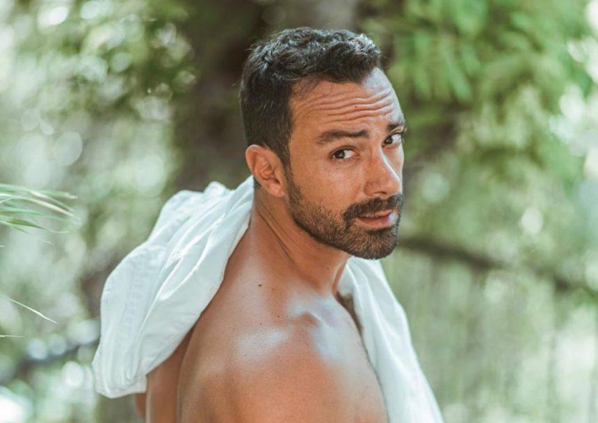 Σάκης Τανιμανίδης: Παντρεύει τον αδελφό του και ράβει κουστούμι! Δες το χιουμοριστικό video   tlife.gr
