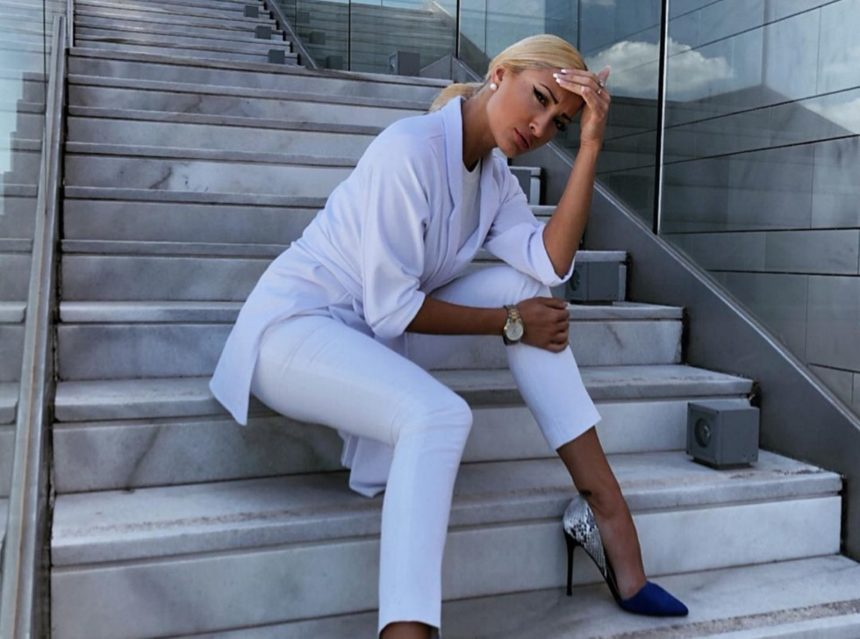 Ιωάννα Τούνη: Λιώνει στη γυμναστική και ο Νώντας Παπαντωνίου την εμψυχώνει!   tlife.gr