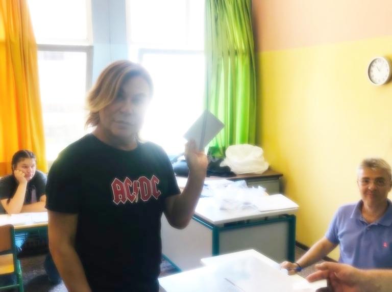 Ο Τρύφωνας Σαμαράς ψήφισε… επεισοδιακά! Βίντεο | tlife.gr