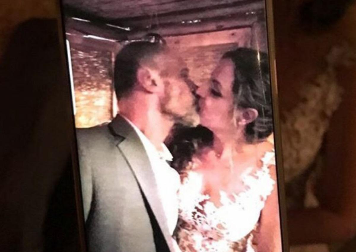 Τζώνυ Θεοδωρίδης: Παντρεύτηκε την κατά 18 χρόνια μικρότερή σύντροφό του – Οι πρώτες εικόνες